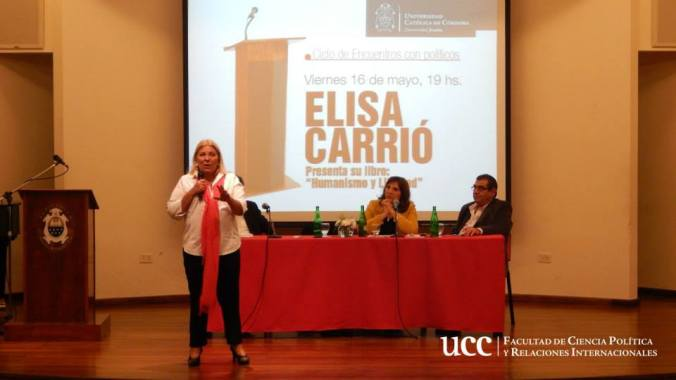 """Elisa Carrió en la presentación de """"Humanismo y Libertad"""" - Viernes 16 de mayo de 2014, Auditorio Diego de Torres SJ, Universidad Católica de Córdoba"""
